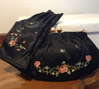 Exquisite Vintage Gloves & Bag